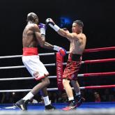 Қанат Ислам намибиялық боксшымен болған жекпе-жекте қолын сындырып алған