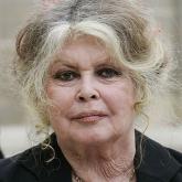 «Тірідей өртейді»: әйгілі француз актрисасы Тоқаевқа хат жазды