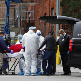 COVID-19: АҚШ-та бір тәулікте 1169 адам қайтыс болды