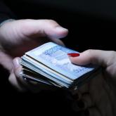Атыраулық полицей 30 мың теңге пара алғаны үшін шенінен айырылып, қызметінен қуылды