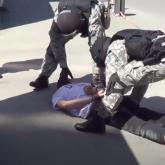 Желіде полицейлердің атыраулық «діндарды» ұстау сәтінің видеосы тарады