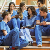 Медицина және өнер мамандықтарында оқитын студенттер қашықтан оқымайды – БҒМ
