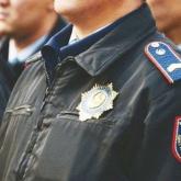 Алматыда екі полицей бюджетке түсуі керек 270 млн теңгені иемденген