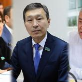 Мәжіліс үш бірдей депутаттың өкілеттігін мерзімінен бұрын тоқтатты