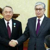 Тоқаев 20 жыл бұрын қол қойылған Назарбаевтың Жарлығына өзгеріс енгізді