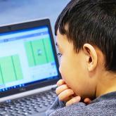 Онлайн оқудан дәстүрлі форматқа көшу қажет – сенатор