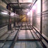 Шымкентте лифт орнатып жатқан жұмысшы 11-қабаттан құлап көз жұмды