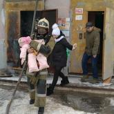 Рудный қаласында өрт шыққан үйден 8 бала эвакуацияланды