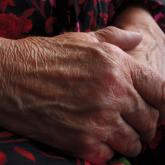 Шымкентте туған қыздары 71 жастағы анасын сабаған