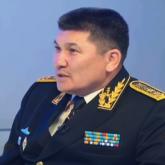 Істі болған экс-адмирал Жанұзақов таксилетіп жан бағып жүр