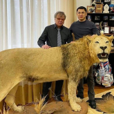 «Арыстанды Африкада атып алдым»: Закирьянов кабинетіндегі аңдардың тұлыбы жайлы