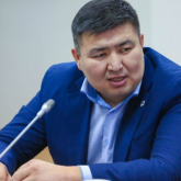 «Сасқан үйрек артымен жүзеді»: депутат Бейсембаев Жанболат Мамайдың әрекетіне баға берді