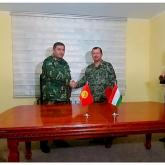 Қырғызстан мен Тәжікстан бірлескен хаттамаға қол қойды