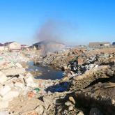 Атырау қаласының қақ ортасында бықсыған өрт 10 күннен бері өшірілмеген