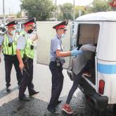 Павлодарда балалар алаңында ерсі қылық көрсеткен үш ер адамды полиция алып кетті