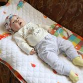 «Бір дәрі бір миллиард теңге тұрады»: Алматылық отбасы сирек кездесетін аурумен туған баласын емдеткісі келеді