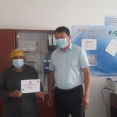 Қарағанды облысында коронавирусқа қарсы екпе алған зейнеткерлерге ақшалай сертификат үлестіріліп жатыр