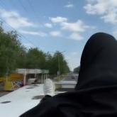 Ақсу тұрғыны хайп үшін автобустың төбесіне секірген