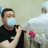 QazVac емес: Асқар Мамин коронавирусқа қарсы вакцина салдырды