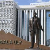 Түркістанда да Нұрсұлтан Назарбаевқа ескерткіш орнатылды