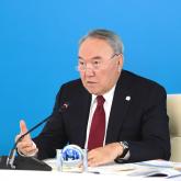 Назарбаев әлемдегі саяси ұйым басшыларына: «Партиялар қиындыққа тап болған азаматтарды жарты жолда тастап кетпеуі керек»