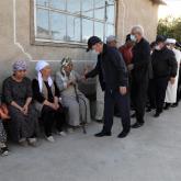 Бердібек Сапарбаев жарылыста қаза тапқандардың үйіне барды