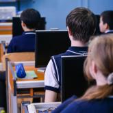 Алматыда 2 мыңнан астам оқушы онлайн форматтан дәстүрлі оқыту форматына оралды