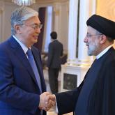 Тоқаев Иран президентімен бірінші рет кездесті