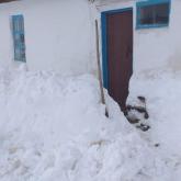 Ауыл тұрғынын камера алдында кешірім сұратқан әкім жазаға тартылады
