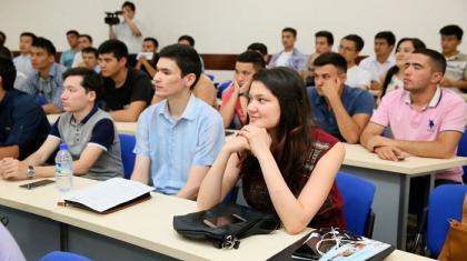 Қазақстанда оқитын өзбекстандық студенттер жаппай еліне қайтып жатыр