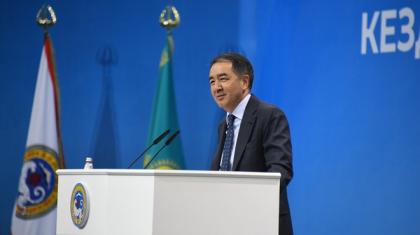 Б.Сағынтаев Алматыдағы үш ауысымды мектеп проблемасын 2 жылда шешуге уәде берді