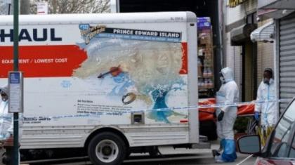 Нью-Йоркте төрт жүк көлігінен 60 адамның мәйіті табылды