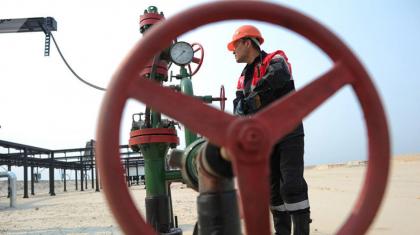 Жыл соңына дейін 45 мың мұнайшы жұмыстан қысқаруы мүмкін – Рашид Жақсылықов