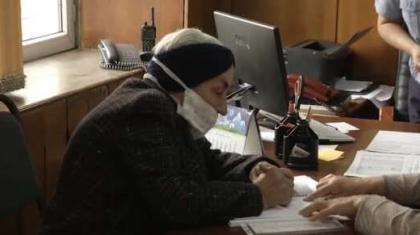 Алматы облысында 82 жастағы кейуана бірінші рет жеке куәлік алды