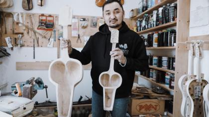 «Шеберлерге қолдау жоқ»: Қазақтың ұлттық саз аспаптарын енді Қытай шығаруы мүмкін
