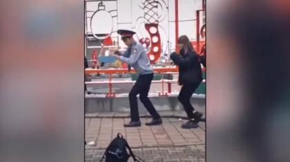 Полиция формасымен TikTok-та видео түсірген алматылық жауапқа тартылды