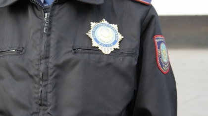 Тараздық полицей өзі тоқтатқан көлік жүргізушісіне қарғыс айтқан