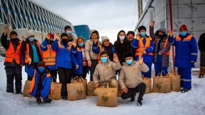 Астанада әлеуметтік аз қамтылған 30 отбасыға азық-түлік себеттері тапсырылды