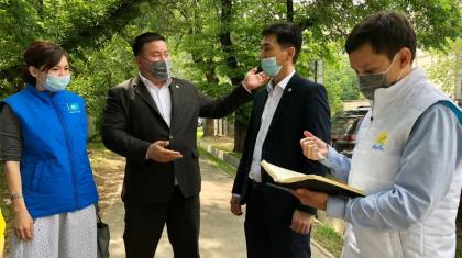 «Халықтық бақылау» өкілдері құрылысы ұзаққа созылған Алматыдағы мектепке қатысты наразылық білдірді