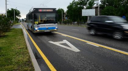 Қазақстанда автобус жолағымен басқа көліктердің жүруіне рұқсат етіледі