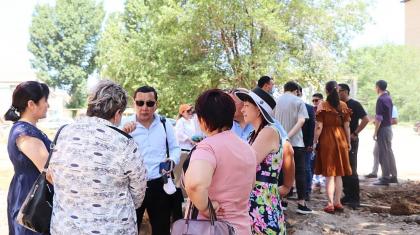 «Тұрғындардың жағындамыз»: Nur Otan Оралдағы тұрғын үй дауына қатысты кездесу ұйымдастырды