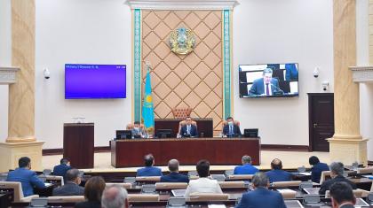 Сенат Есеп комитеті мүшесінің өкілеттігін тоқтатты